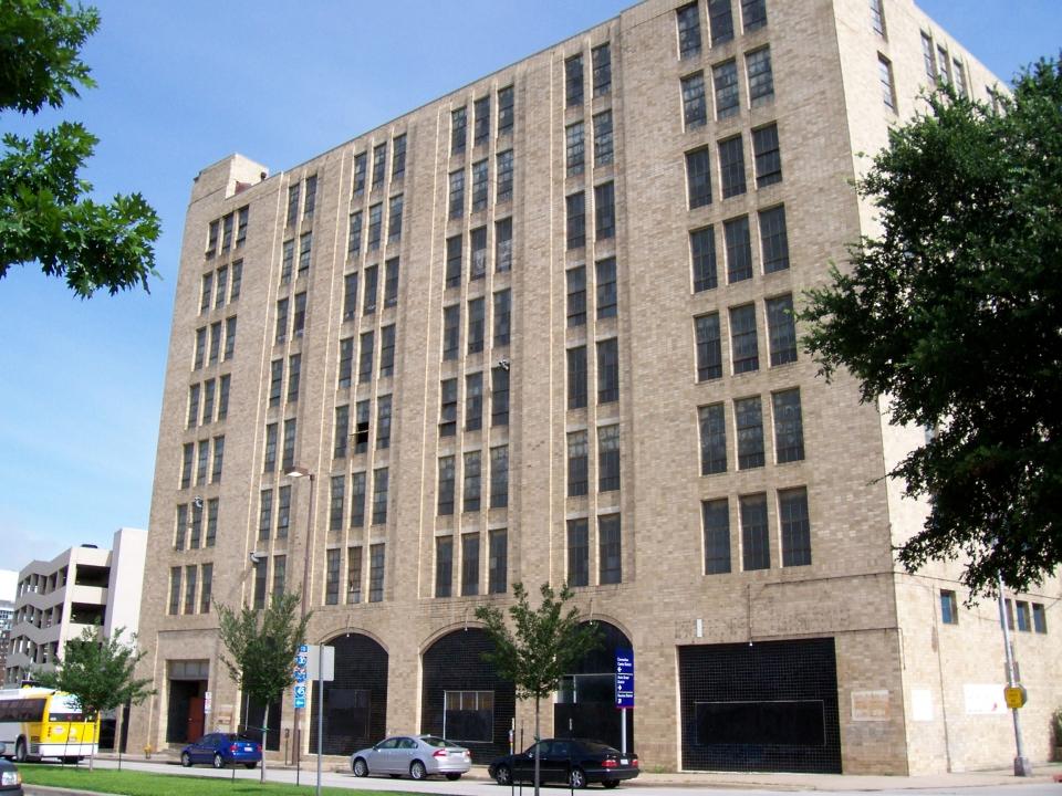 05-02-06-01-Santa-Fe-Building